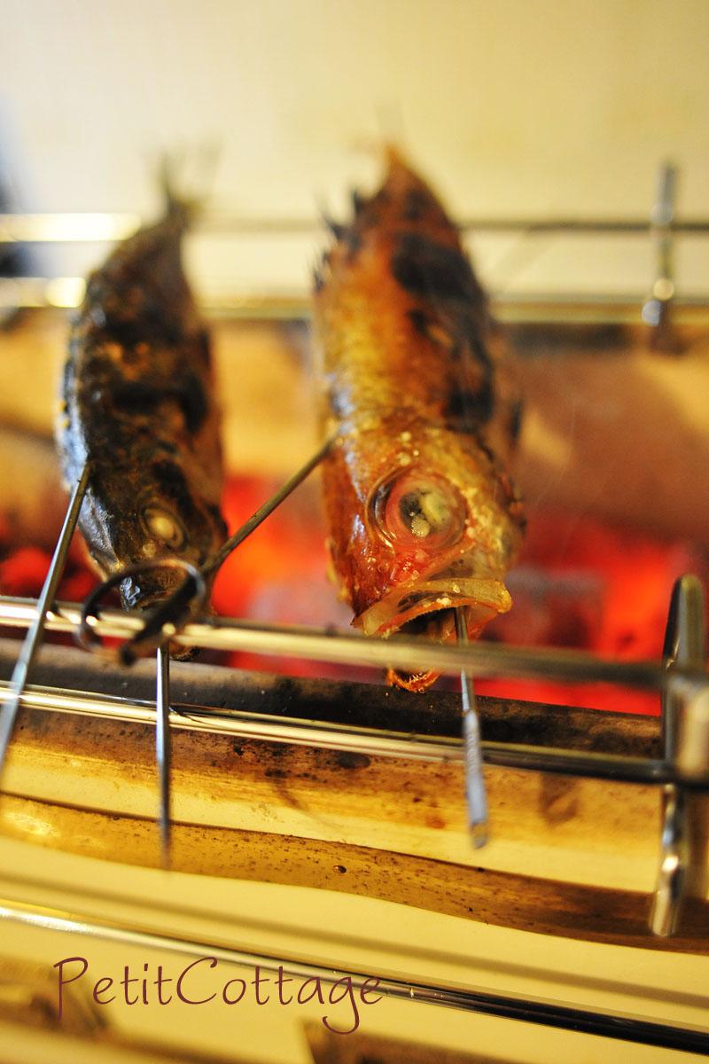適切な炭を使えば、室内でも安全に七輪焼きが楽しめます